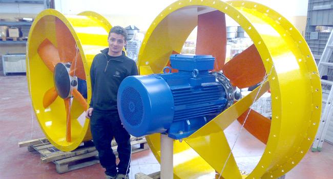 Ventilatori diametro 1600mm con motore elettrico 37KW - 6poli - B3. Convogliatori con sedia rinforzata, con particolari tecnici richiesti espressamente dal cliente
